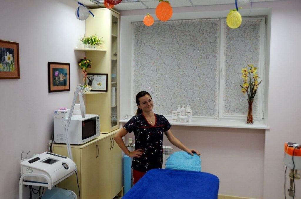 Косметолог Любовь Шкроботько